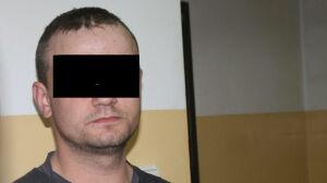 Uderzył policjanta w głowę i uszkodził radiowóz