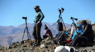 Przygotowania do obserwacji w Chile (PAP/EPA/Alberto Valdes)