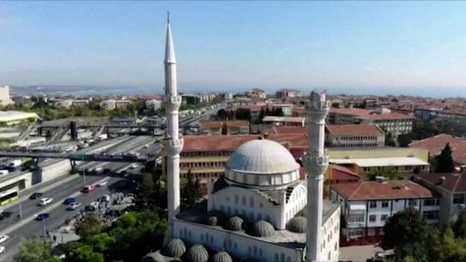 Wstrząsy w Stambule. Zawaliły się minarety