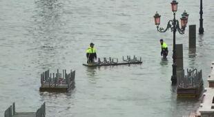 To kolejny dzień powodzi w Wenecji